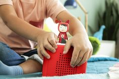 9 great no-screen tech & STEM toys for kids of all ages: Toniebox story player empowers kids to listen to stories and music on their own. More: CoolMomTech.com Tech gifts for kids | gifts for preschooler gifts for kindergartener | geeky gifts | affordable holiday gifts | STEM gifts | educational tech | gifts for children | christmas gifts | Hanukkah gifts #techgifts #techtoys #educationalgifts #coolgiftsforkids