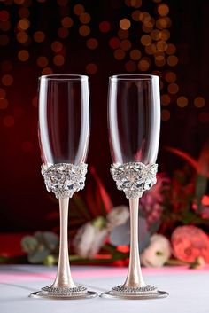 Wedding сhampagne glasses and cake server and knife white pearl bride and groom set of 4 , wedding toasting flutes and cake server set , personalized glasses For these glasses color - ivory and silver All completely handmade! MEASUREMENTS: -Champagne flutes : Height - 9 inch (22