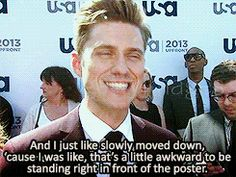 Aaron Tveit on spotting a Graceland poster (GIF 4/4)