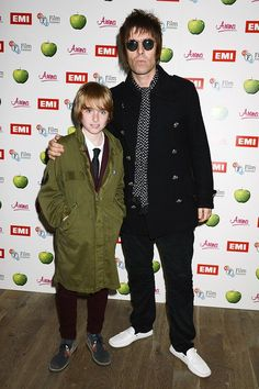Liam Gallagher almost killed blue peanut M Francis Boulle - Celebrity News Pretty Green Liam Gallagher, Gene Gallagher, Oasis Band, Liam And Noel, The Verve, Britpop, The Best Films, Mod Fashion, Fred Perry