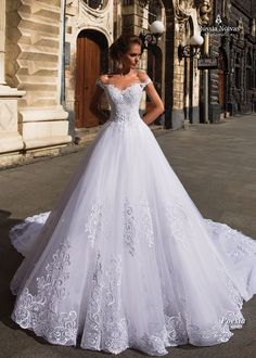 Marvelous Tulle Off-the-shoulder Neckline Ball Gown Wedding Dresses With Lace Appliques & Beadings NEW! Marvelous Tulle Off-the-Shoulder Neckline Ball Gown Wedding Dresses With Lace Appliques & Beadings Princess Wedding Dresses, Modest Wedding Dresses, Bridal Dresses, Prom Dresses, Evening Dresses, Wedding Outfits, Wedding Dress Tumblr, Ball Dresses, Ball Gowns