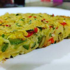 Torta vegana de abobrinha, ervas e especiarias. Cada porção de 100 gramas tem 14,3 gramas de carboidratos. Ingredientes Abobrinha, farinha de…