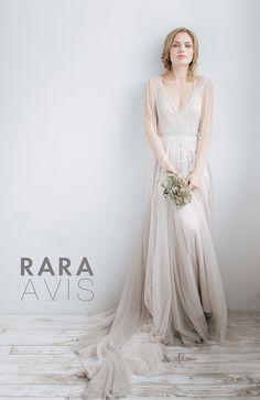 tovel rara avis wedding dress 2 bmodish