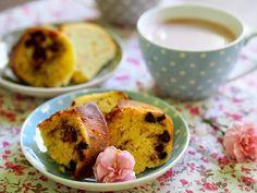 sweet melange: Vláčná bábovka s kousky čokolády, ořechů s mandlovým nádechem