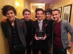 MTV's 2012 Artist of the Year :) x @Zayn Malik @Harry Styles @Louis Tomlinson