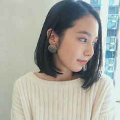 Pin on ヘアメイク Pin on ヘアメイク Korean Short Hair, Short Wavy Hair, Medium Hair Styles, Short Hair Styles, Asian Bob, Asian Makeup Looks, Blonde Streaks, Bob Cut, My Hair