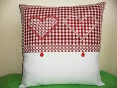 Artesanía, Manualidades, Labores - Bordado Español Chicken Scratch Patterns, Chicken Scratch Embroidery, Hand Embroidery Stitches, Embroidery Designs, Smocking, Free Pattern, Throw Pillows, Quilts, Crochet