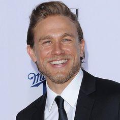 Pin for Later: Charlie Hunnam ersetzt Benedict Cumberbatch in neuem Film