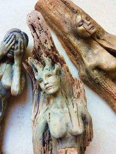 Wood Carving Driftwood woman with golden eyes & crown (tiara) by Debbie Bernier of Shaping Sp. Driftwood Sculpture, Driftwood Art, Sculpture Art, Sculptures, Mermaid Sculpture, Creation Deco, Wood Creations, Whittling, Tiaras And Crowns