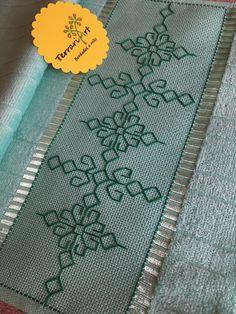 Kasuti Embroidery, Swedish Embroidery, Hand Embroidery Dress, Embroidery Stitches, Embroidery Patterns, Ribbon Embroidery Tutorial, Crochet Cord, Swedish Weaving, Bargello