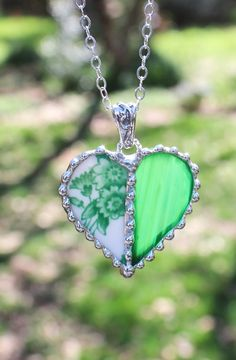 Hey, I found this really awesome Etsy listing at https://www.etsy.com/listing/270039671/necklace-broken-china-jewelry-broken