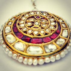 Kundan Jewellery Set, Temple Jewellery, Traditional Indian Jewellery, Indian Jewelry, Royal Jewelry, Bracelet Watch, Jewels, Bracelets, Earrings