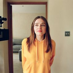 """165.9k lượt thích, 989 bình luận - The End of the F***ing World (@teotfw) trên Instagram: """"The only thing better than good f***ing lighting is: Jessica Barden."""""""