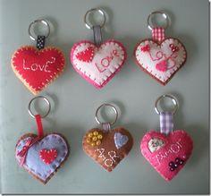 Keychain - key ring - heart - gift idea- felt keychain - party favors - Valentine's - love - sweet 16 - party - Patchyz by Kathleen Flask Felt Crafts Patterns, Felt Crafts Diy, Felt Diy, Handmade Felt, Crafts To Do, Crafts For Kids, Felt Keychain, Jean Crafts, Felt Hearts