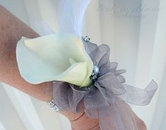 Calla lily wrist corsage Black & white by BrideinBloomWeddings Mother Of Bride Corsage, Wrist Corsage Wedding, Mother Of The Bride, Wedding Bouquets, Prom Flowers, Bridal Flowers, Church Flowers, Corsage And Boutonniere, Boutonnieres