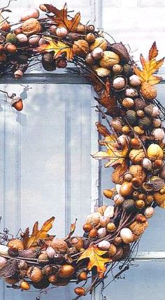 Nut / Acorn Wreath - a smaller one for a candle ring would be lovely also ❊