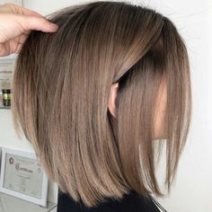 Hairstyles With Bangs Ideas Click and see the coolest easy updos for medium hair you can try out at home! Enjoy these beautiful DIY buns ponytails braids and mixes of all of them! 150 Honestly Easy Hairstyle Ideas For Medium-Length Hair Pretty Hairstyles, Bob Hairstyles, Easy Hairstyle, Hairstyle Ideas, Brunette Hairstyles, Spring Hairstyles, Natural Hairstyles, Straight Hairstyles, Wedding Hairstyles