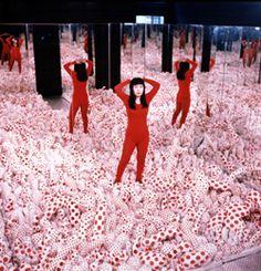 Yayoi Kusama, Infinity mirror room - Phalli´s field (Or floor show), 1965 (re-fabrication in 1988).
