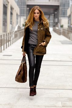 fashion blogger Chiara Ferragni in a total Burberry outfit.  Looks divine!
