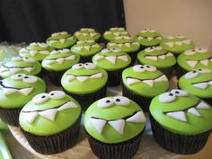 CUT THE ROPE Cupcakes