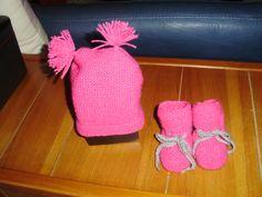 Pour Anaëlle Slippers, Beanie, Hats, Fashion, Knits, Moda, Hat, Fashion Styles, Slipper