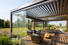 Boost the ambiance of your patios with the phenomenal charm of these patio pergola designs. These patio rehabilitation ideas will switch the boring display of … Outdoor Decor, Balcony Decor, Deck With Pergola, Outdoor Living, Pergola Lighting, Pergola Plans, Pergola Screens