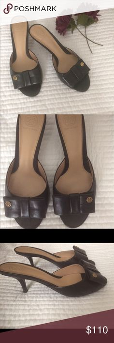 Authentic Tory Burch kitten heels Authentic Tory Burch kitten heels with bow. ***used but in very good condition. Tory Burch Shoes Heels