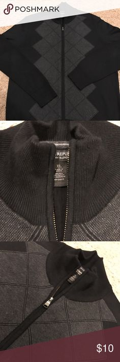 Cotton/Silk/Cashmere Full Zip Cardigan Black and gray full zip Cardigan in good shape. Some pilling on arms.  Perfect for office or going out. Banana Republic Sweaters Zip Up