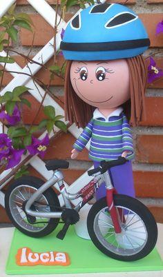 Lucia con su bicicleta
