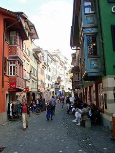 winding my way through old town (Alstadt) Zurich