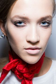Just Cavalli at Milan Spring 2015 (Backstage). http://votetrends.com/polls/369/share #makeup #beauty #runway #backstage
