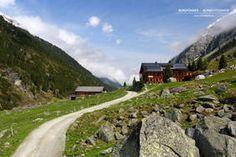 Die Postalm am Venedigersteig im Obersulzbachtal (Neukirchen am Großvenediger, Pinzgau, Salzburgerland) Kirchen, Trekking, Country Roads, Mountaineering, Alps, Hiking