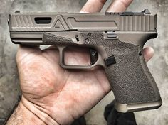 Some morning midnight bronze on a @agencyarms G19 getting ready to leave the…