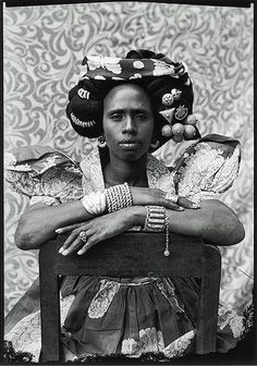 Hint Fashion Magazine Fantastic portraits of Malian society in the 1950s, by Seydou Keïta