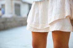 La bloguera Trendy Taste luciendo la falda de #Vilaclothes que tenemos en Caruma Moda.