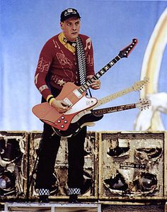 rick nielsen guitars wow 5 necks i have enough trouble with 1 my idols pinterest style. Black Bedroom Furniture Sets. Home Design Ideas