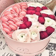 #love #lauravirag #ranunculus #redroses #macarons #flowers #flowerbox