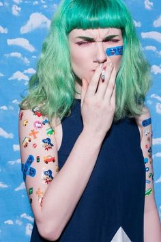 Clouds, stickers and green hair - beauty inspiration for GLOWLIKEAMOFO.com