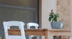 Villa Lofos , Περιβόλια, Ελλάδα. Crete Holiday, Ladder Decor, Villa, Home Decor, Decoration Home, Room Decor, Villas, Interior Decorating