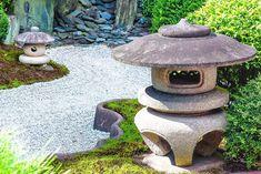 2015.09.14 霊雲院(京都府) 今回も過去の写真です。以前にも1枚投稿した、東福寺塔頭の霊雲院の庭園です。このお寺はお庭1つしか観るものがないのですが、その庭がたいへん素晴らしく、写真になる要素がたくさんある感じです。 #Japan #Kyoto #京都 #霊雲院 #Reiunin #東福寺 #Tofukuji #日本庭園 #Garden #枯山水 #寺社仏閣 #京都観光 #そうだ京都行こう #Attraction #観光 #beautiful #Nikon #D7200 #instagood #love #photooftheday #followme #JJ #tbt #throwbackthursday #カメラ男子#ファインダー越しの私の世界