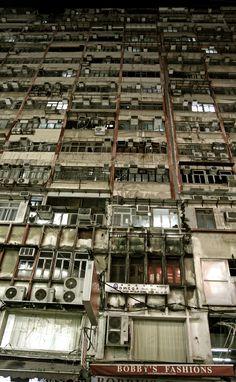 Photo of the Moment: Urban Decadence at Mirador Mansion, Hong Kong — Vagabondish Hong Kong, Abandoned Buildings, Abandoned Places, Kowloon Walled City, Photos Voyages, Slums, Future City, Urban Landscape, Belle Photo