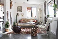 Wohnzimmer in Boho Chic Look dekoriert