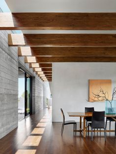 Kitchen Interior Design Gallery of Sundial House / Specht Architects - 22 - Image 22 of 25 from gallery of Sundial House / Specht Architects. Photograph by Casey Dunn Luxury Homes Interior, Home Interior Design, Interior Decorating, Kitchen Interior, Decorating Bathrooms, Decorating Kitchen, Bathroom Interior, Exterior Design, Interior Minimalista