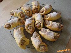Bratislavské ořechové rohlíčky :: Táňulčino tvoření Baked Potato, Garlic, Food And Drink, Potatoes, Bread, Baking, Vegetables, Ethnic Recipes, Bakken