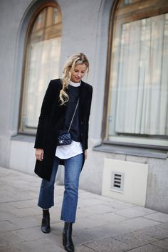 Crushing on this black classic coat! It will last you seasons and will go with everything you have at home in your wardrobe. Find a similar: http://asos.do/1aVNPD http://asos.do/XhF7QP http://asos.do/2xfYQr