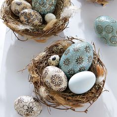 love the detailed eggs in these nests - so spring!