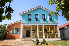 Casa familiei Dascălu din Cumpăna renovată de Visuri la cheie Home Fashion, Construction, Mansions, House Styles, Interior, Design, Home Decor, Building, Decoration Home