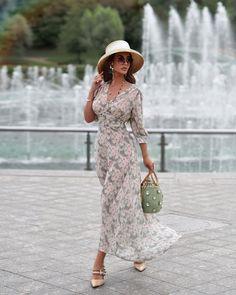"Маргарита Цельсова on Instagram: ""Ностальгирую по вечерним променадам) Тепло ушло, но обещало вернуться (совсем скоро). Платье @to_be_blossom 🌸"" Ladies Who Lunch, Bohemian, Dresses, Style, Closet, Fashion, Vestidos, Swag, Moda"