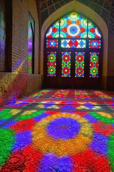 Nasir-al-mulk Mosque, Shiraz, Iran. The mosque uses colored glass extensively in… Islamic Architecture, Beautiful Architecture, Art And Architecture, Stained Glass Art, Stained Glass Windows, Pink Mosque, Shiraz Iran, Templer, Beautiful Mosques