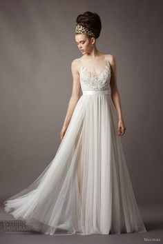 majestic lace and chiffon wedding dress with amazing hairstyle